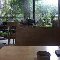 Foto tirada no(a) Peace Oriental Teahouse por Phatcharawan K. em 7/24/2017