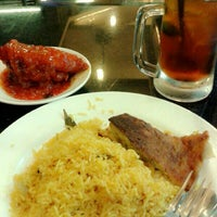 Photo taken at Nasi Kandar D' Arab by Hazirah I. on 5/6/2014