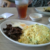 Photo taken at Chowking by Dorelyndel S. on 9/27/2014