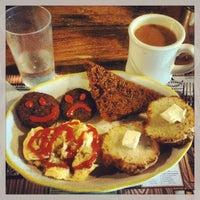 Photo taken at Honey's Sit 'n Eat by Brandon S. on 7/22/2013