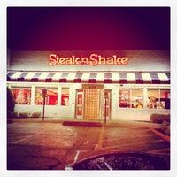 Photo taken at Steak 'n Shake by Jerome P. on 10/6/2013