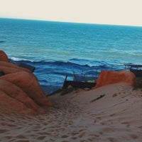 Photo taken at Canoa Quebrada by RYCHARD G. on 12/29/2014