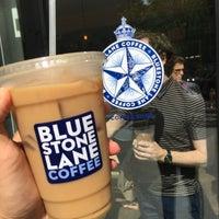 Foto scattata a Bluestone Lane da Danley H. il 9/19/2016