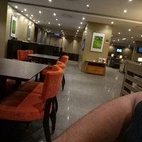 Photo taken at Plaza Premium Lounge, Domestic by Fairuz k. on 12/6/2017
