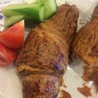 Снимок сделан в La'Habanera Restaurant пользователем Gülman Sumru S. 10/7/2014