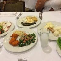 Снимок сделан в La'Habanera Restaurant пользователем Gülman Sumru S. 10/6/2014