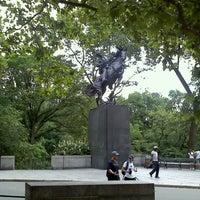 7/14/2012 tarihinde Jill F.ziyaretçi tarafından Simon Bolivar Statue'de çekilen fotoğraf