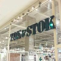 Foto tirada no(a) Tok&Stok por Renato C. em 6/25/2012