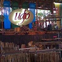 Photo prise au Saung Angklung Mang Udjo par agus s. le8/20/2012