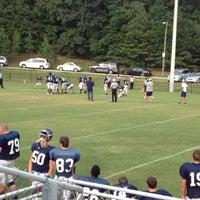 Das Foto wurde bei Mustang Field von Ron S. am 8/17/2012 aufgenommen