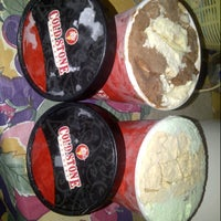 Photo taken at Cold Stone Creamery by Hansen H. on 9/28/2014