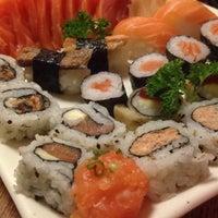 Foto tirada no(a) Jow Sushi Bar por Danilo Y. em 7/19/2015