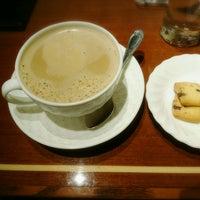 Photo taken at 珈琲茶館 集 五反田西口店 by akubi on 1/8/2017