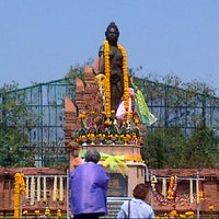 Photo taken at Statue of Queen Chamadevi by LoveLy T. on 2/24/2013