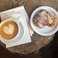 2/1/2016 tarihinde Rachel M.ziyaretçi tarafından Menagerie Coffee'de çekilen fotoğraf