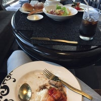 Photo taken at Maya Indian Restaurant by pcr.porn ♡ on 4/21/2017
