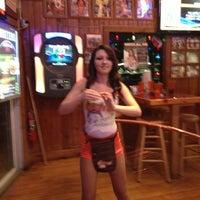 รูปภาพถ่ายที่ Hooters โดย Fred N. เมื่อ 11/22/2012