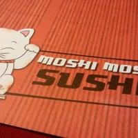 Photo taken at moshi moshi sushi by Juan Martín M. on 5/7/2014