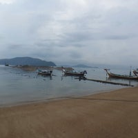 Photo taken at Smith Beach by Герда Э. on 10/24/2014