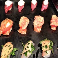 10/13/2012 tarihinde Josh A.ziyaretçi tarafından Sushi of Gari'de çekilen fotoğraf