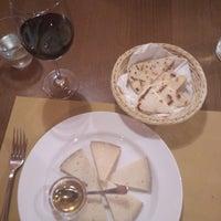 Foto scattata a Osteria Dei Battibecchi da Sasha G. il 10/18/2017
