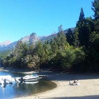 Foto tirada no(a) Parque Nacional Los Alerces por Gisela S. em 3/24/2014