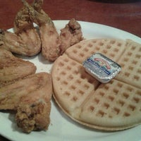 Photo taken at Gladys Knight's Signature Chicken & Waffles by Melissa B. on 10/27/2012