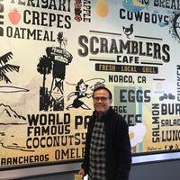Foto diambil di Scramblers Cafe oleh Amy🌙 B. pada 11/28/2016