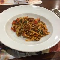 Photo taken at Viva Restaurant by Kotchakorn M. on 7/22/2017