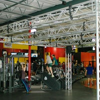 Photo taken at Gold's Gym by Gold's Gym on 3/25/2014