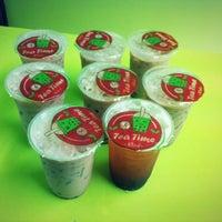 Photo taken at momo Fresh:Bubble:Tea by Offer P. on 9/6/2013