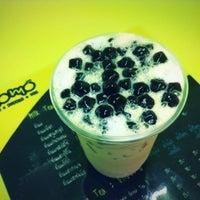 Photo taken at momo Fresh:Bubble:Tea by Offer P. on 7/21/2013