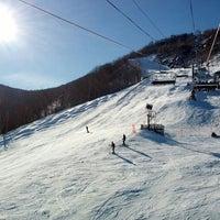 Photo taken at Hunter Mountain Ski Resort by Andrew B. on 1/27/2013