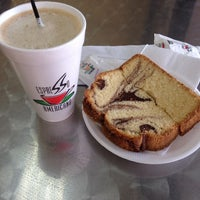 Photo taken at Espresso Americano by Juan carlos M. on 10/14/2014