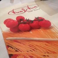 Photo prise au Vino E Vino par Izabella K. le4/18/2014