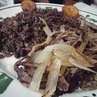 Photo prise au El Rincon Cubano par Robert O. le4/28/2014