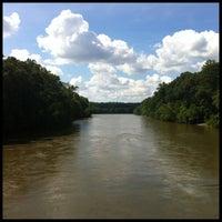 Das Foto wurde bei Cochran Shoals - Chattahoochee River von Barry C. am 7/16/2013 aufgenommen