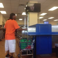 Photo taken at SpinZone Laundry North by Raúl L. on 6/22/2014