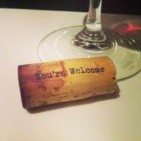 6/23/2013 tarihinde Kayla E.ziyaretçi tarafından 694 Wine & Spirits'de çekilen fotoğraf