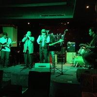 Foto tirada no(a) BlackCat Jazz & Blues Club por Timothy W. d. em 7/2/2013