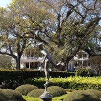3/9/2013 tarihinde Constance P.ziyaretçi tarafından Calhoun Mansion'de çekilen fotoğraf