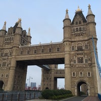Photo taken at Tower Bridge by Cynthia L. on 8/14/2015