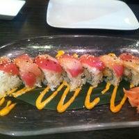 Photo prise au Yuri Japanese Restaurant par Katie M. le12/10/2012