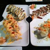 Photo prise au Asuka Japanese Restaurant par Katie M. le10/6/2013