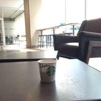 4/7/2016 tarihinde Sergio S.ziyaretçi tarafından Starbucks'de çekilen fotoğraf