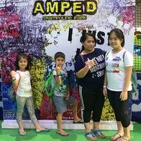 Das Foto wurde bei Amped Trampoline Park von susi c. am 12/16/2016 aufgenommen