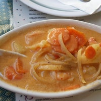 Foto tomada en Sivalai Thai Restaurant por Douglas N. el 6/19/2014