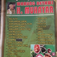 Photo taken at Warung Betawi Hj. Muhayar by David B. on 9/18/2016