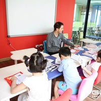 Photo taken at GLN English Center 33 Tràng Thi by Hang Bui on 4/27/2014