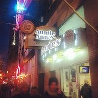 Photo taken at Auntie Anne's & Cinnabon & Carvel by Victor A. on 11/1/2012